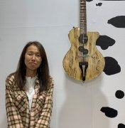 akiko-jghg-art-fair-booth-galery-side2.jpg